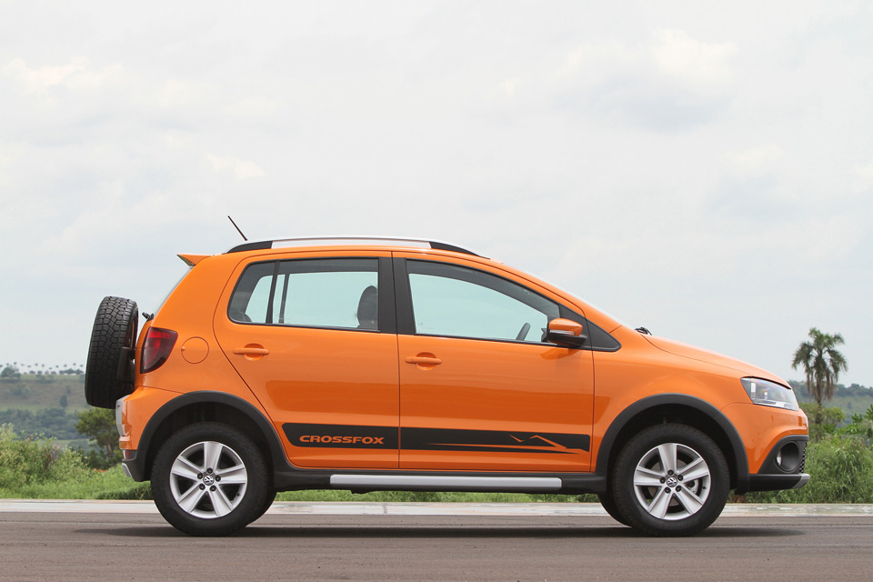 Volkswagen lança novo CrossFox por R$ 45.550 | Pit Stop